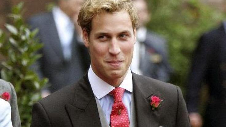 Noch mit vollem Haar - Prinz William im Jahr 2004. (Foto)