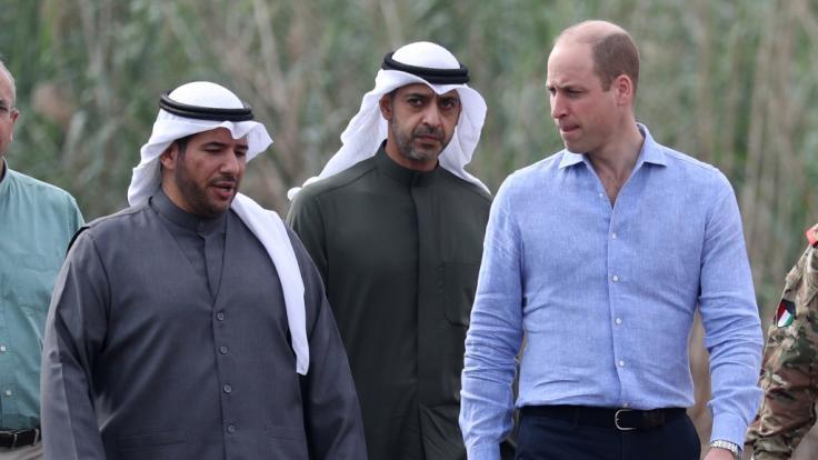 Der britische Prinz William in einem Sumpfgebiet im