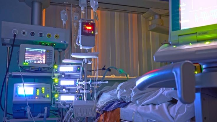 Die Nachrichten des Tages auf news.de:Experten warnen vor Twindemic! Doppelinfektionen im Herbst erwartet. (Foto)