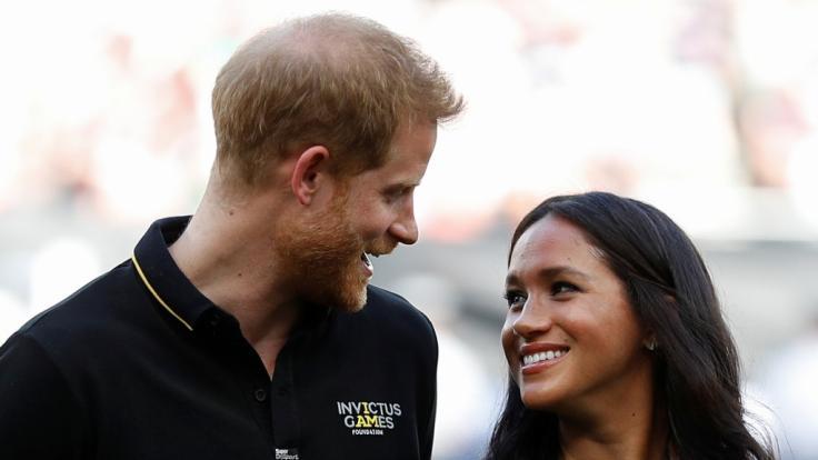 Meghan Markle Schwanger Prinz Harry Lässt überraschend Baby Bombe