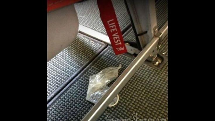 Widerlich! Hier hat jemand sein benutztes Kondom vergessen. (Foto)
