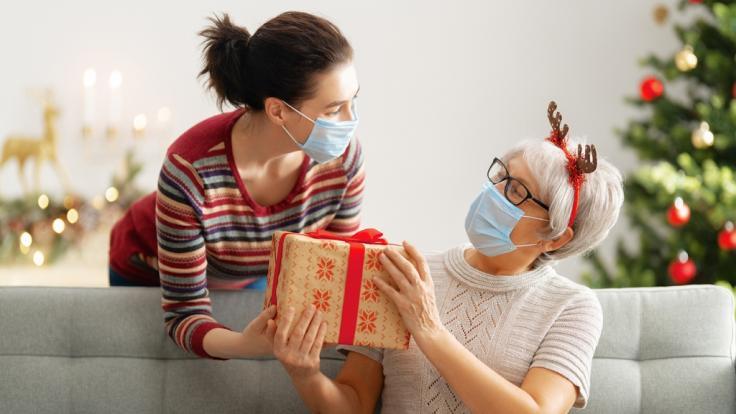 Können Weihnachtsgeschenke Coronaviren übertragen? (Foto)