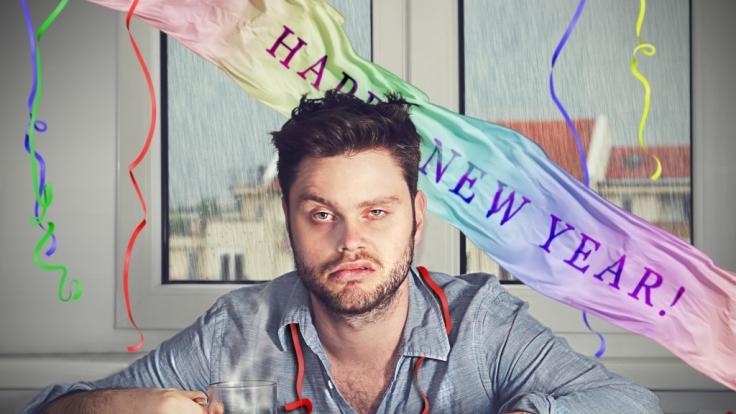 Mit diesen Tipps überstehen Sie den Neujahrskater.