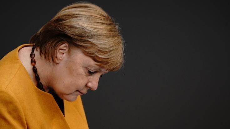 Bundeskanzlerin Merkel hat die Beschlüsse zu zusätzlichen Oster-Ruhetagen revidiert - und für ihre öffentliche Entschuldigung viel Respekt erhalten.