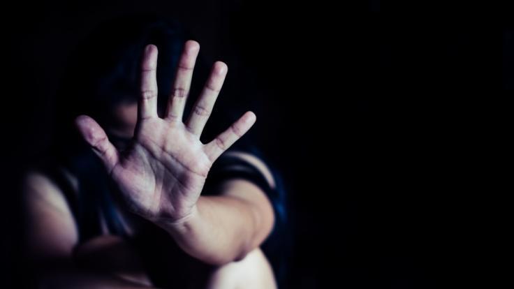 Ex-Fußballer Leroy Robinson hat einem Mädchen sexualisierte Nachrichten geschickt. (Symbolfoto)