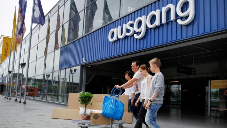 Für den Ikea-Check schickt die ARD Familien zum Testeinkauf.