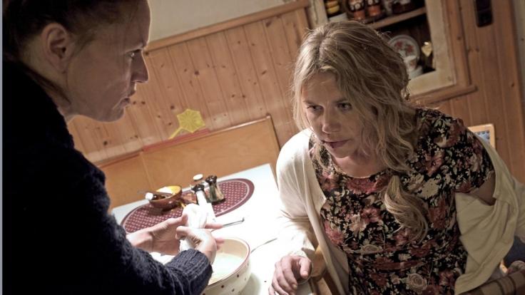 Sonja wurde vergewaltigt - von Adrian. Nur ihrer Schwester vertraut sie sich an. (Foto)