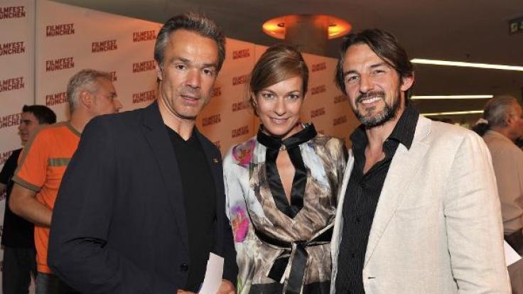 Hannes Jeanicke (l) zusammen mit Lisa Martinek und Hans Werner Meyer.