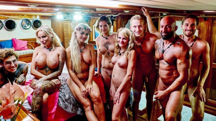 RTL hat die ersten Nackt-Bilder von der Liebesyacht veröffentlicht. Mit dabei sind auch wieder drei Promis.