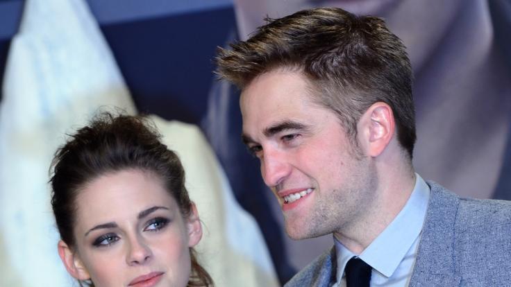 """Damals noch ein Paar: Kristen Stewart und Robert Pattinson bei der Premiere von """"Breaking Dawn - Bis(s) zum Ende der Nacht"""". (Foto)"""