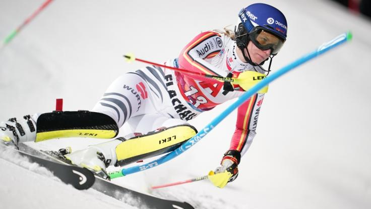 Lena Dürr beim Slalom der Damen in Flachau (Österreich) in Aktion. (Foto)