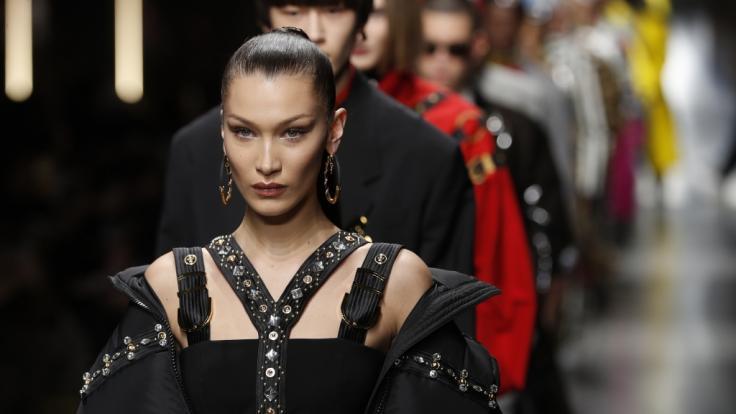Bella Hadid brachte ihre derzeit 31,9 Millionen Abonnenten mit einem Halbnacktkracher für Chanel um den Verstand. (Foto)