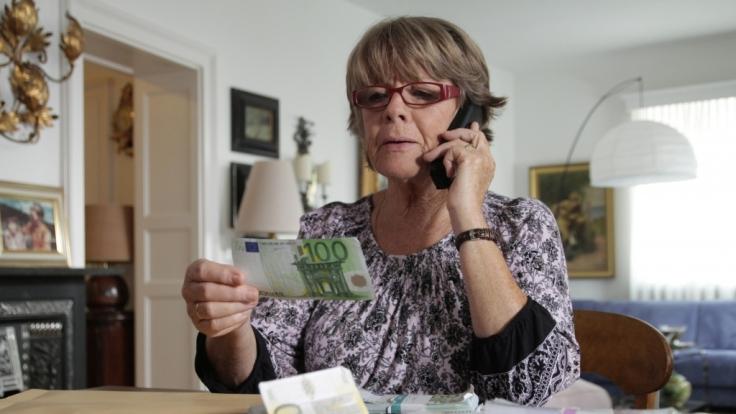 Oftmals fallen Rentner auf findige Betrüger herein. Aber auch jüngere Menschen sind davor nicht gefeit.