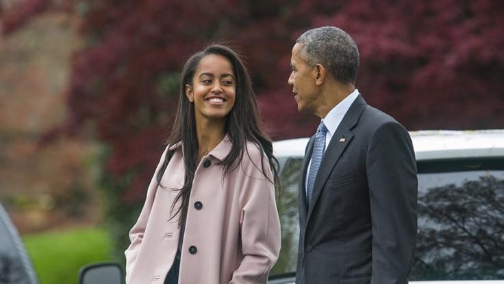 Malia Obama (li.) weiß, wie man feiert. (Foto)