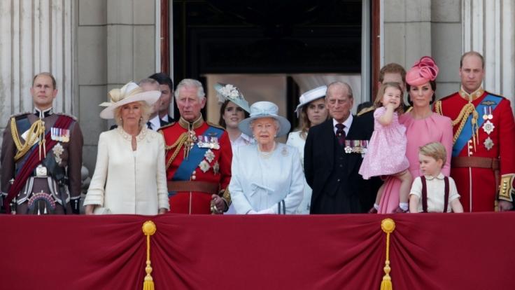 Die britische Königsfamilie auf einem Balkon des Buckingham Palace.