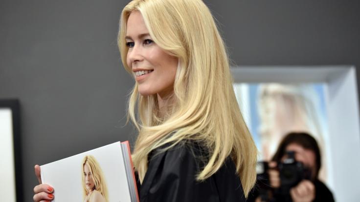 Supermodel Claudia Schiffer überraschte ihre Kollegin Linda Evangelista mit einem sündigen Nackt-Präsent zum Geburtstag. (Foto)