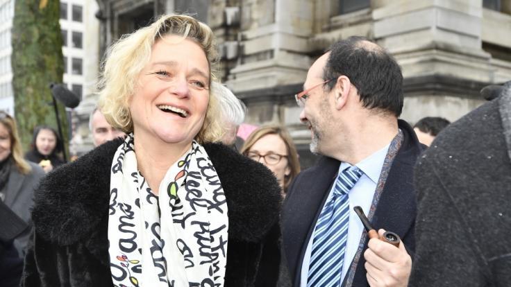 Die Künstlerin Delphine Boel kämpfte seit 2013 juristisch darum, dass ihre royale Abstammung anerkannt wird. Jetzt durfte sie erstmal bei einem offiziellen Termin der belgischen Königsfamilie dabei sein.
