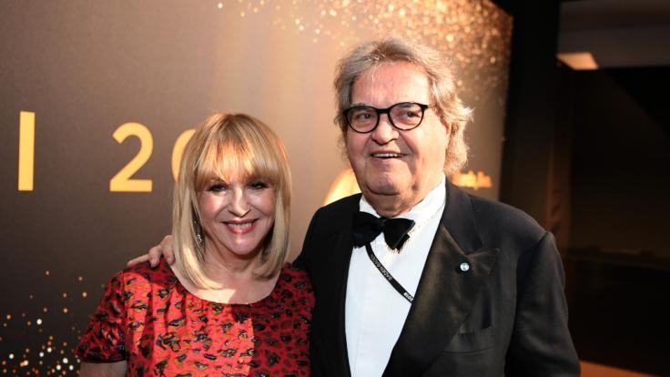 Patricia Riekel und Lebensgefährte Helmut Markwort bei der 71. Bambi-Verleihung im Festspielhaus. (Foto)