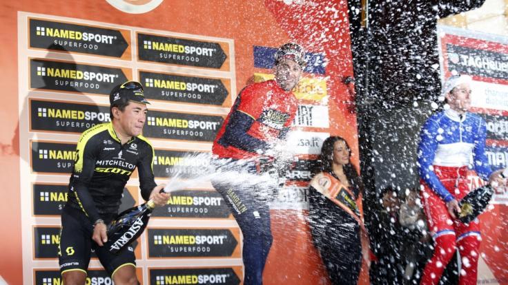 Caleb Ewan (li.), Vincenzo Nibali (Mitte) und Arnaud Demare sind auch 2019 beim traditionsreichen Radrennen von Mailand nach San Remo sabei. (Foto)