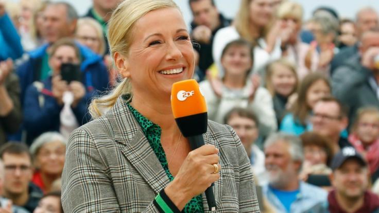 "Andrea Kiewel ging im ""Fernsehgarten"" baden. (Foto)"