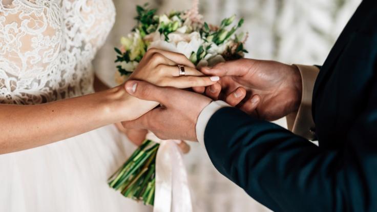 Ein Vater hat seine Tochter geheiratet, um Sex mit ihr zu haben. (Foto)