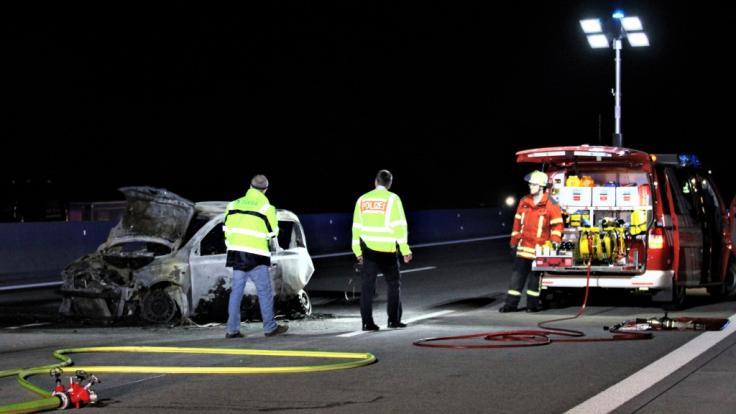Bei dem Verkehrsunfall auf der Autobahn 5 bei Ettlingen im Kreis Karlsruhe sind zwei Menschen ums Leben gekommen. (Foto)