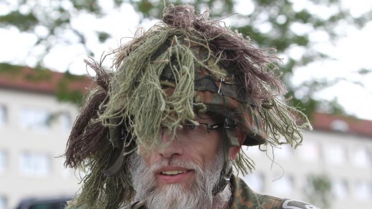 Soldat mit Tarnung (Foto)