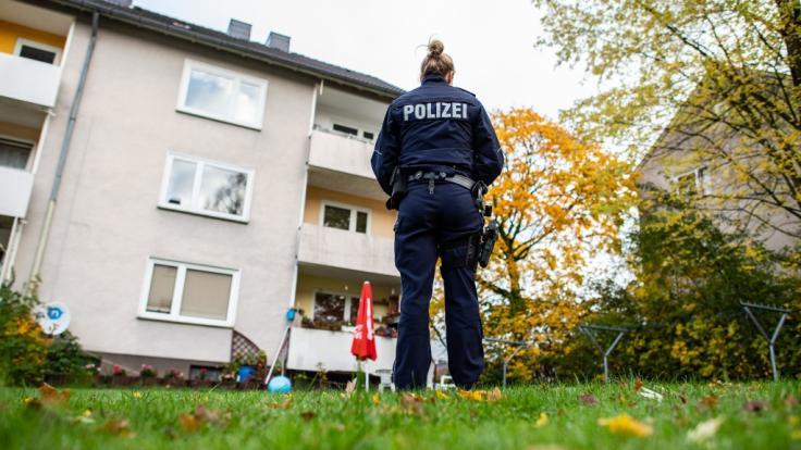 In Detmold soll eine 15-Jährige ihren Bruder erstochen haben.
