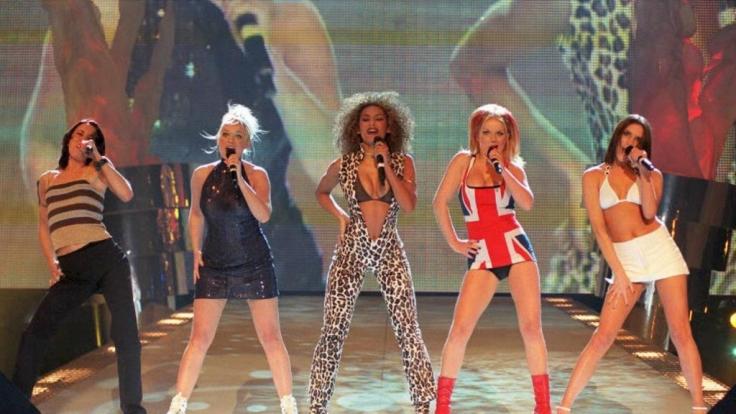 Die Spice Girls mit Sporty Spice (Mel C.), Baby Spice (Emma Bunton), Scary Spice (Mel B.), Ginger Spice (Geri Halliwell) und Posh Spice (Victoria Beckham) - von links. (Foto)