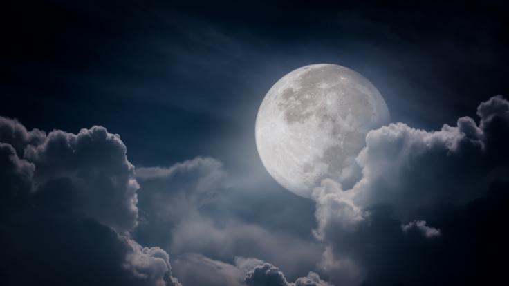 2021 dürfen sich Astro-Fans auf eine Partielle Mondfinsternis freuen.