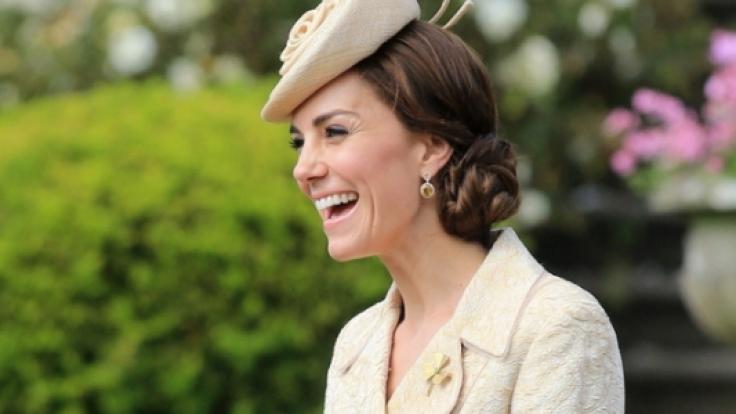 Dünner denn je: Herzogin Catherine auf einer Gartenparty im Juni 2016.