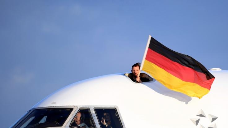 Die deutschen Olympia-Helden sind in Frankfurt gelandet.