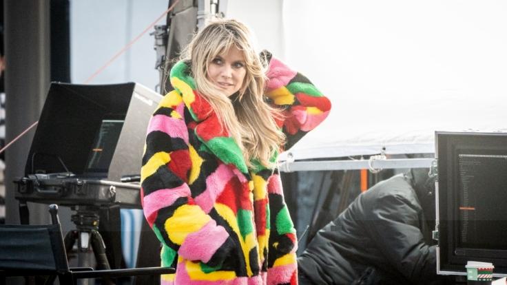 Heidi Klum zeigt sich im Netz völlig verändert. (Foto)