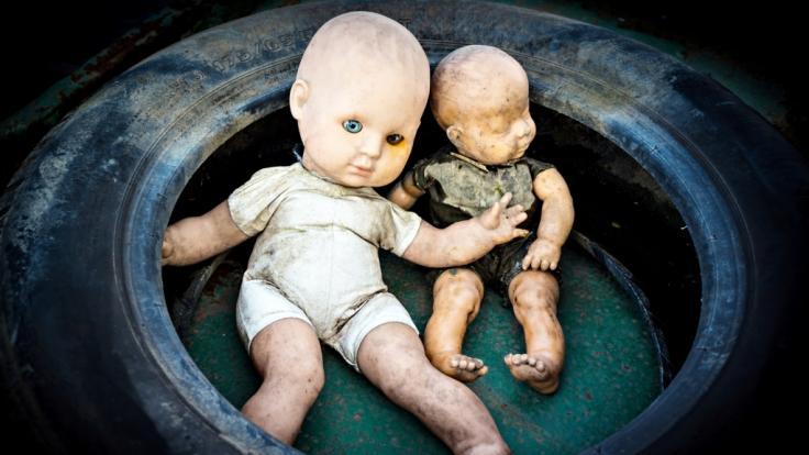 (Symbolbild) Ein Pädophiler hat einer Kinderschänderin beim Kindesmissbrauch geholfen. (Foto)