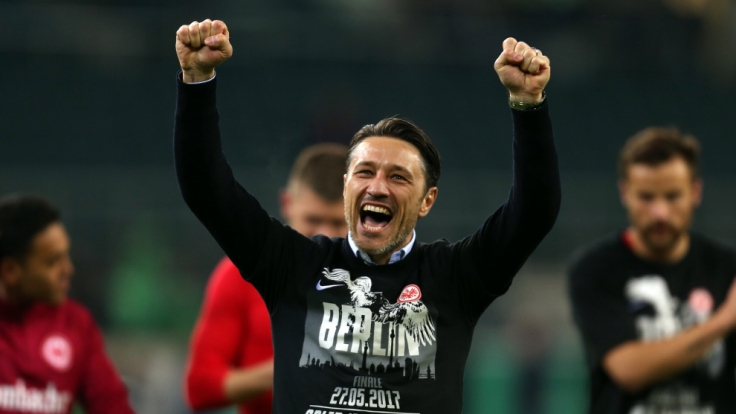 Frankfurts Trainer Niko Kovac feiert den Sieg nach Elmeterschießen. (Foto)