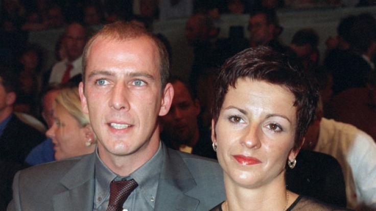 Zweiter Liebes-Versuch beim ehemaligen Fußballer Mario Basler und seiner zweiten Ehefrau Iris: Acht Jahre nach ihrer Scheidung sind sie eigenen Angaben zufolge wieder ein Paar.