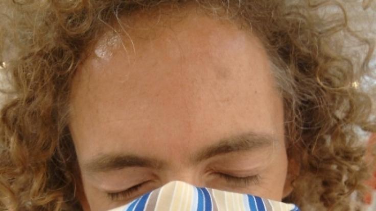 Verkrümmte Nasenscheidewände können unangenehme Folgen haben. (Foto)