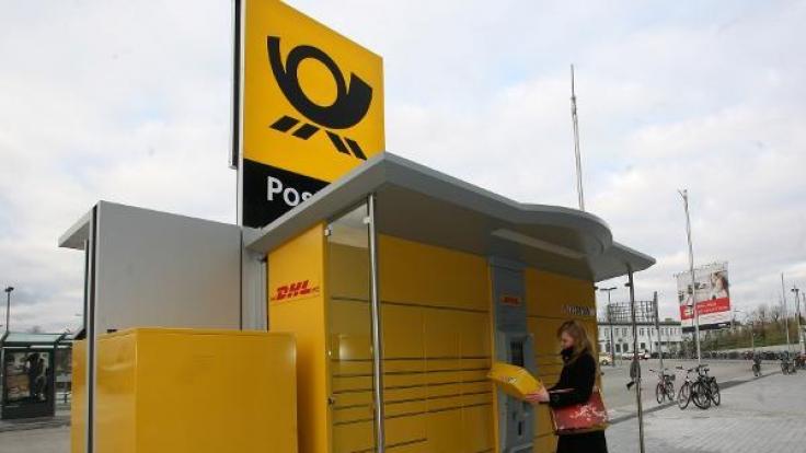 Mit Packstationen lassen sich bequem Pakete versenden und empfangen.