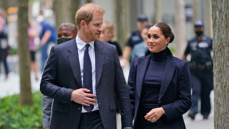 Royal-Experte Rupert Bell ist sicher: Meghan Markle und Prinz Harry könnten ihre Beziehung zur Queen mit ihren Plänen für immer zerstören. (Foto)