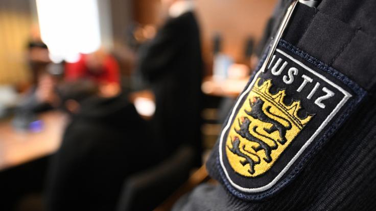 In Freiburg beginnt am Mittwoch der Prozess nach einer mutmaßlichen Gruppenvergewaltigung (Symbolbild). (Foto)