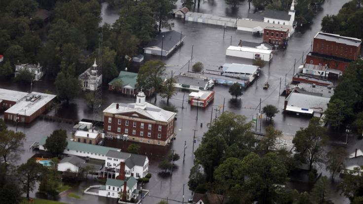 Die Straßen von Trenton stehen vollständig unter Wasser. Ex-Hurrikan