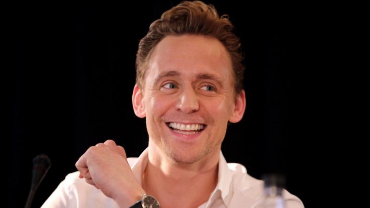 Tom Hiddleston bei einer Pressekonferenz zu seinem neuen Film