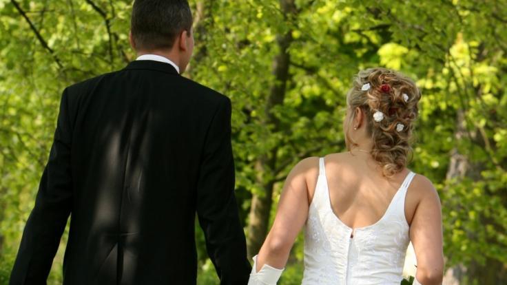 """Bei """"Hochzeit auf den ersten Blick"""" geben wildfremde Singles das Ja-Wort - doch bei wem hielt die Liebe, wer ist wieder getrennt? (Foto)"""