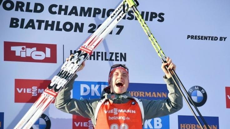 Benedikt Doll wird überraschend Biathlon-Weltmeister im Sprint in Hochfilzen.