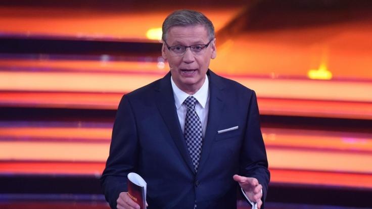 Günther Jauch kann es kaum fassen! Sein Kandidat zockt sich knallhart nach oben. (Foto)