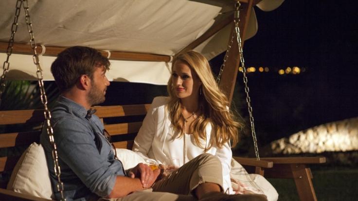 Anna und Luke lernen sich in einem Gespräch unter vier Augen besser kennen.