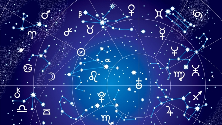 Ein Blick in Ihr Horoskop kann helfen, sich auf das Wichtige zu besinnen und kosmische Schwingungen in den Alltag zu integrieren. (Foto)
