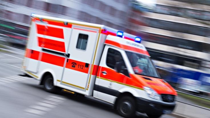 Der Autofahrer griff die Sanitäter an. (Foto)