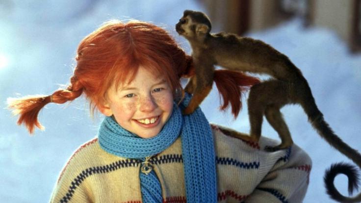 """Pippi Langstrumpf - gespielt von Kinderstar Inger Nilsson - war in den beliebten Kidnerfilmen nicht nur mit Äffchen """"Her Nilsson"""" zu sehen - auch Papagei """"Rosalinda"""" spielte eine wichtige Rolle. (Foto)"""