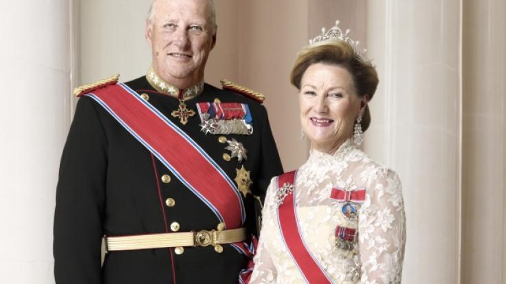 König Harald V. und seine Frau Königin Sonja von Norwegen befinden sich aktuell in Corona-Quarantäne. (Foto)